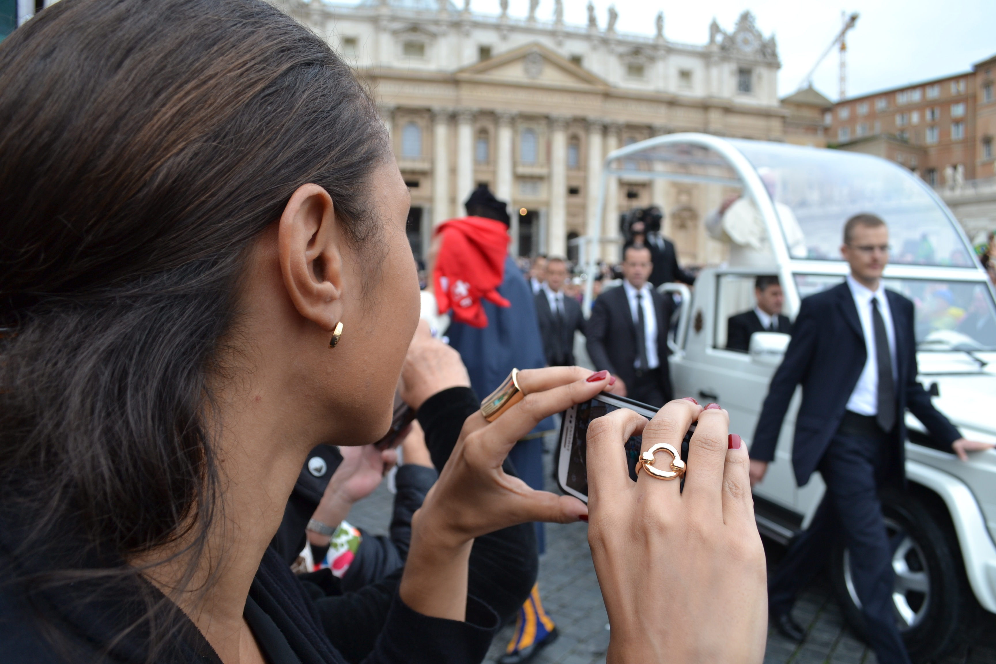 Front row glimpse of Pope Francis in Rome