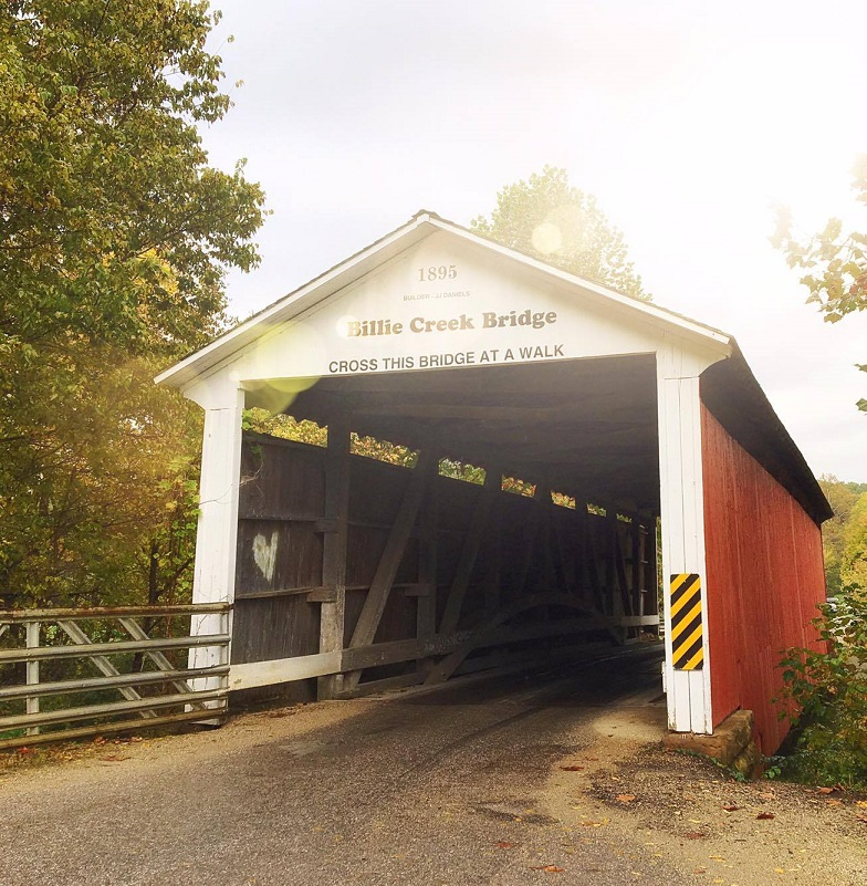 a-guide-to-the-parke-covered-bridge-festival-feature