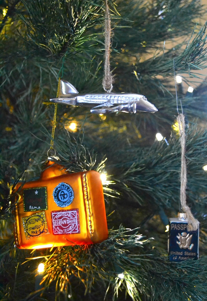 holiday-gifts-for-traveler-ornaments